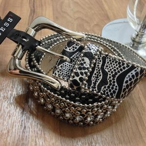 GUESS| black & silver studded belt NWT